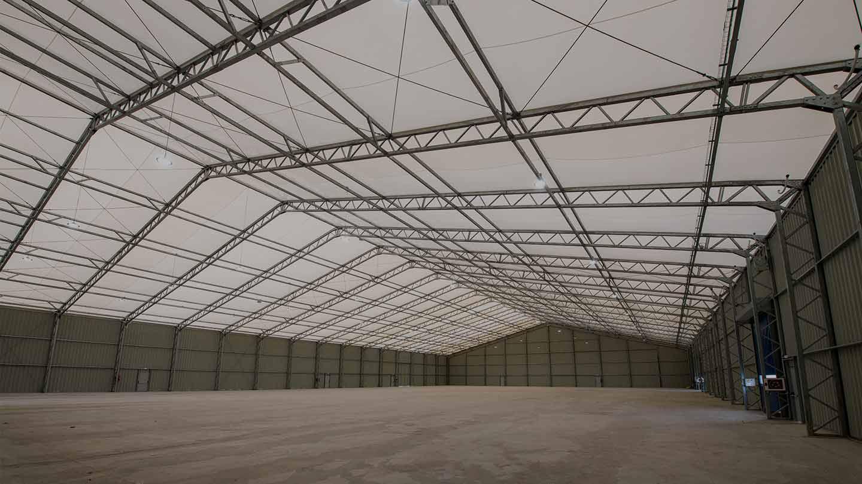 Bâtiments démontables tentes industrielles - MaxiSpace Le bâtiment détachable le plus solide du marché